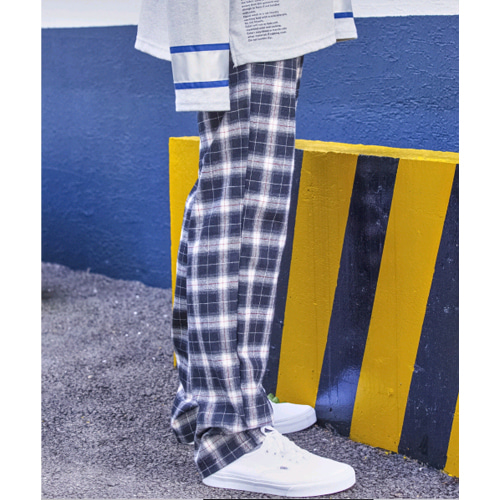 SIGNATURE UNISEX CHECK PANTS[BLACK]