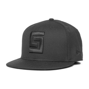 CROOKS & CASTLES Mens Woven Fitted Cap - Greco Logo [1]