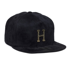 HUF HAMMERED METAL H STRAPBACK BLACK