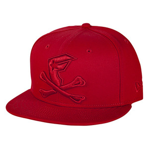 FAMOUS BONES AND BADGE NE SNAPBACK RED