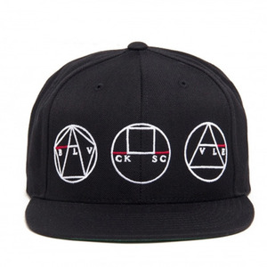 BLACK SCALE Golden Shapes Snapback, Black