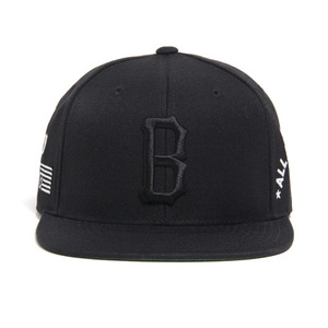 BLACK SCALE B Logo Snapback (Black)