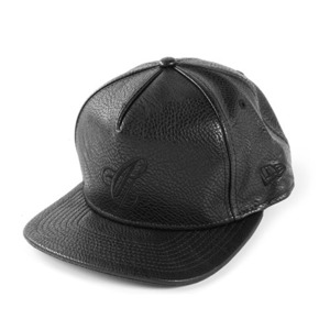 CROOKS & CASTLES Men's Woven Strapback Cap - Maison C (Black)