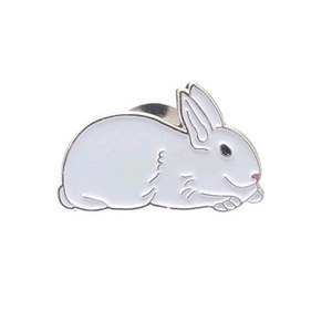 SUPREME 16FW white rabbit pin (METAL)